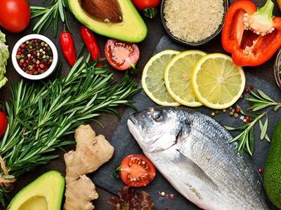 Dieta mediterrânea emagrece sem muita restrição e libera vinho; veja como adotar